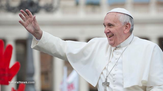 Editorial-Use-Pope-Francis-Waving