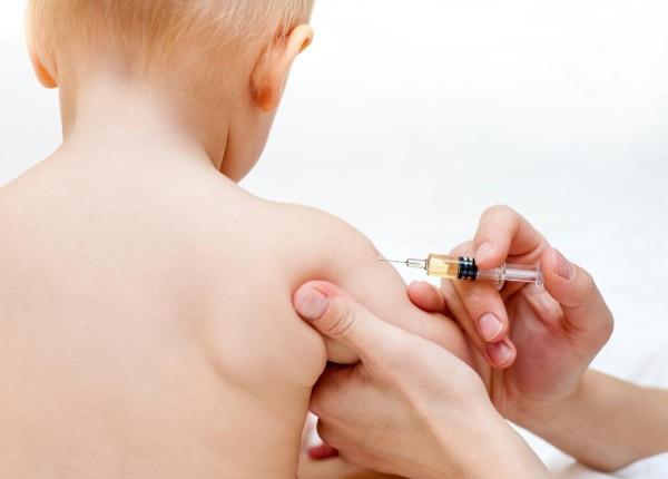 Baby-Vaccine-Shot-2-e1481201784630
