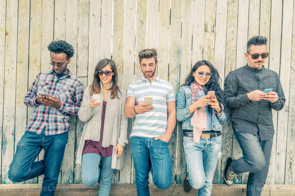 Phone-People-Cell-Using-Young-Smartphone-Group
