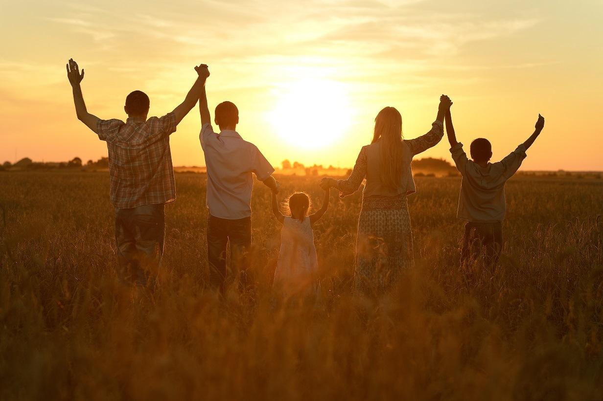 happy-children-sunset